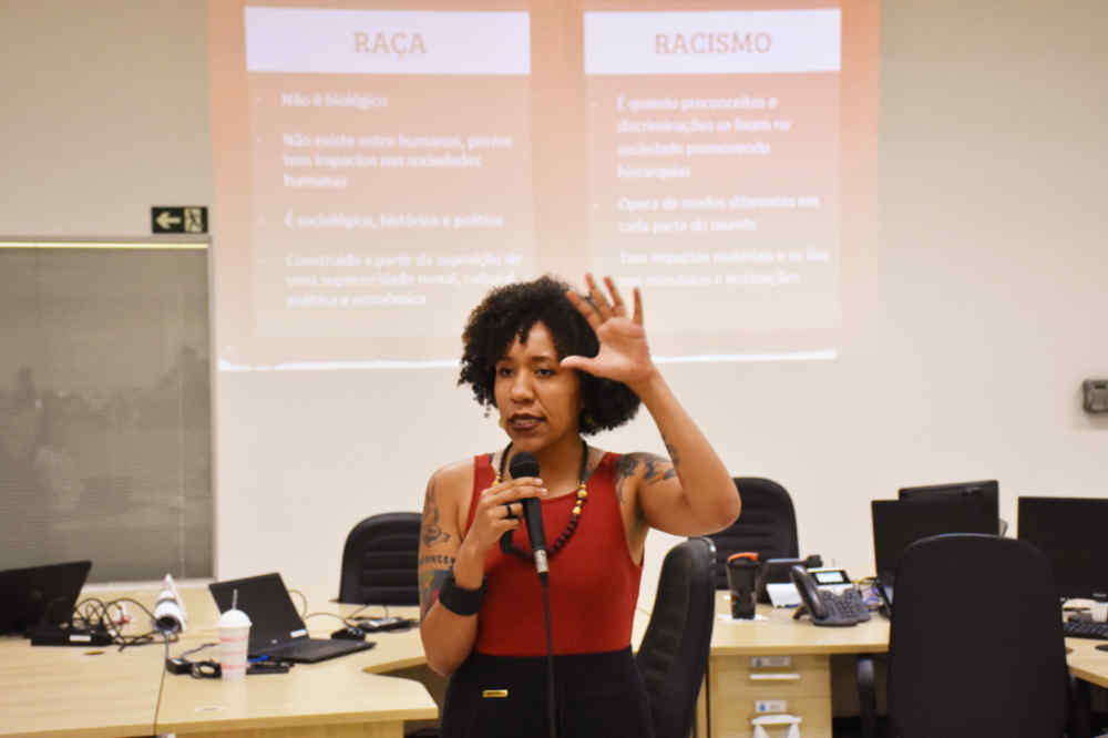 Com palestra sobre racismo estrutural, historiadora mostra que realizar ações afirmativas também é papel das empresas