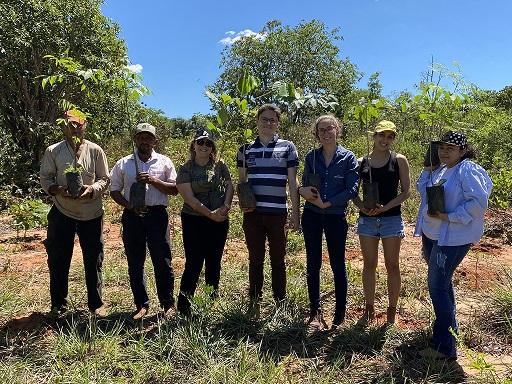 Plantio de Mudas auxilia na preservação ambiental em propriedades na Bacia do Guariroba